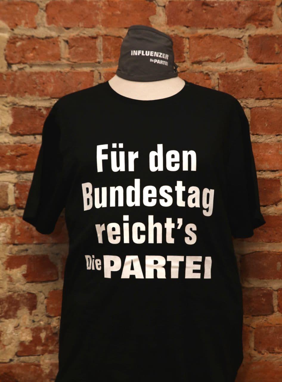 """PARTEI-Shirt zum P-Day: """"Für den Bundestag reicht's"""""""