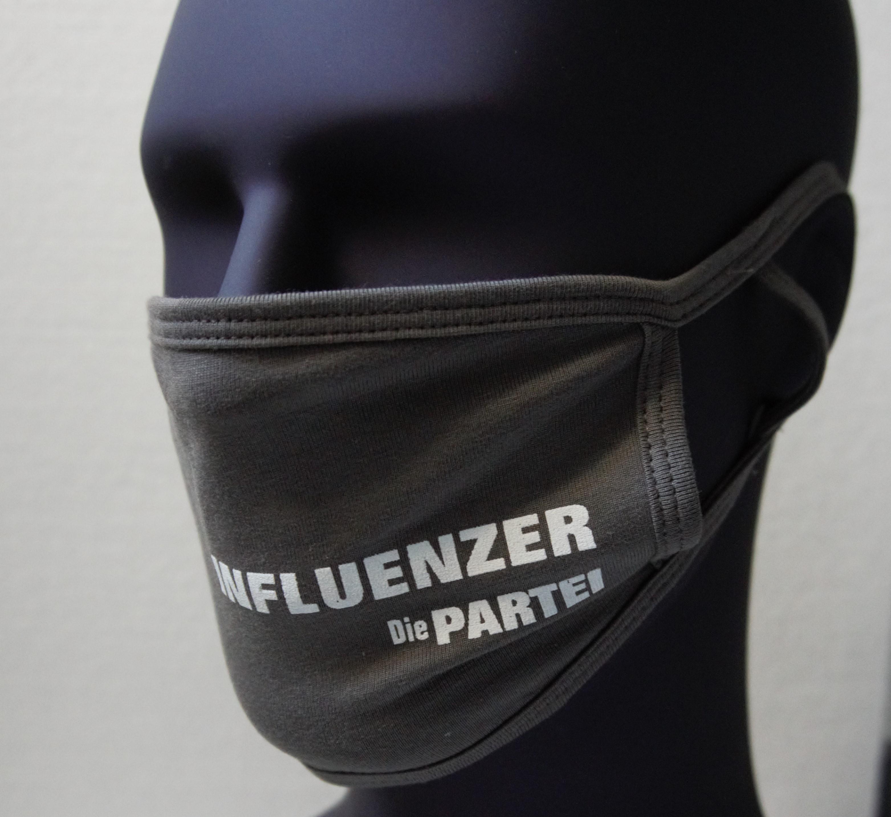 Partei-Maske-Influenzer
